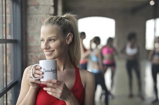 ladydrinkingcoffee