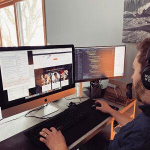 https://www.evolvecreative.com/wp-content/uploads/web-developer-hiring-1-300x300.jpg